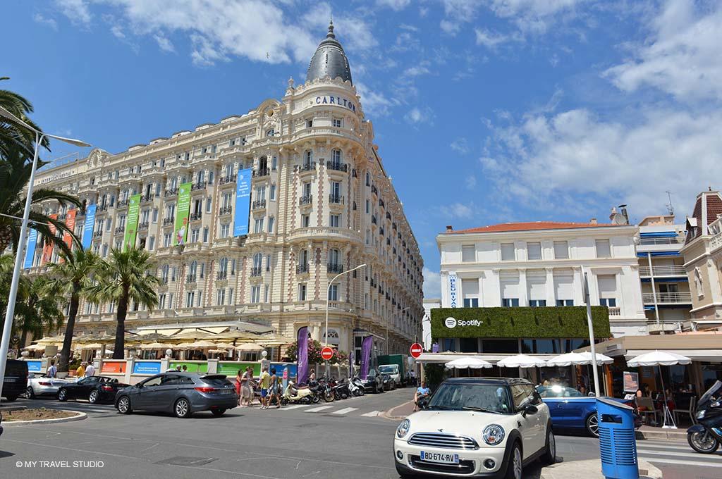 photo 2 carlton hotel